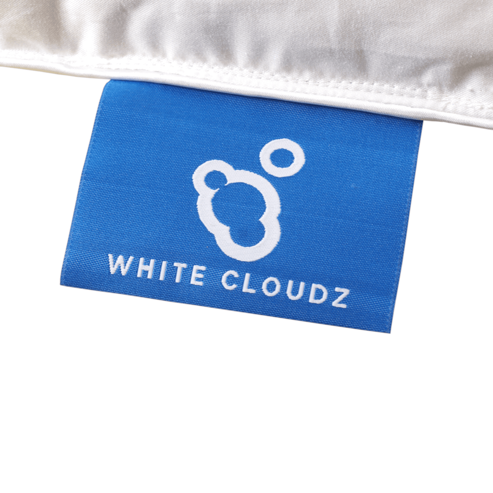 label white cloudz